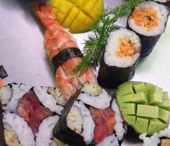 sushi pour les cocktails d'entreprise